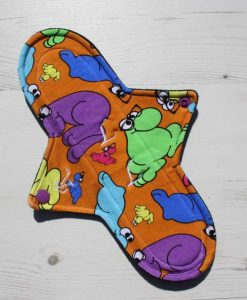 10″ Sub Regular Flow cloth pad | Wiggly Woos Cotton Jersey | Black Wind Pro Fleece 1