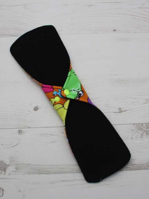 14″ Double Flare Regular Flow cloth pad | Wiggly Woos Cotton Jersey | Black Wind Pro Fleece 4
