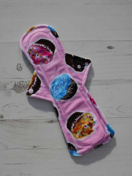 14″ Flared Sub Heavy Flow cloth pad | Cupcakes Plush | Silver Grey Wind Pro Fleece 1