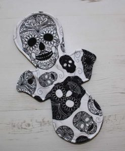 11″ Regular Flow cloth pad | Day of the Dead Two Tone Cotton Jersey | Black Polar Fleece | 1