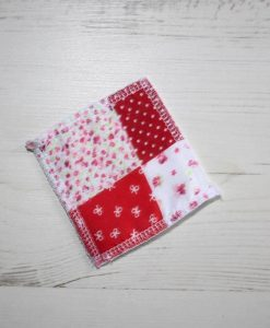 Red and Pink Patchwork Make-up remover wipes – set of 5