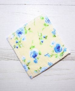 Blue Flowers on Yellow Make-up remover wipes - set of 5