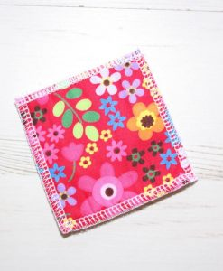 Flowers on Bright Pink Make-up remover wipes - set of 5