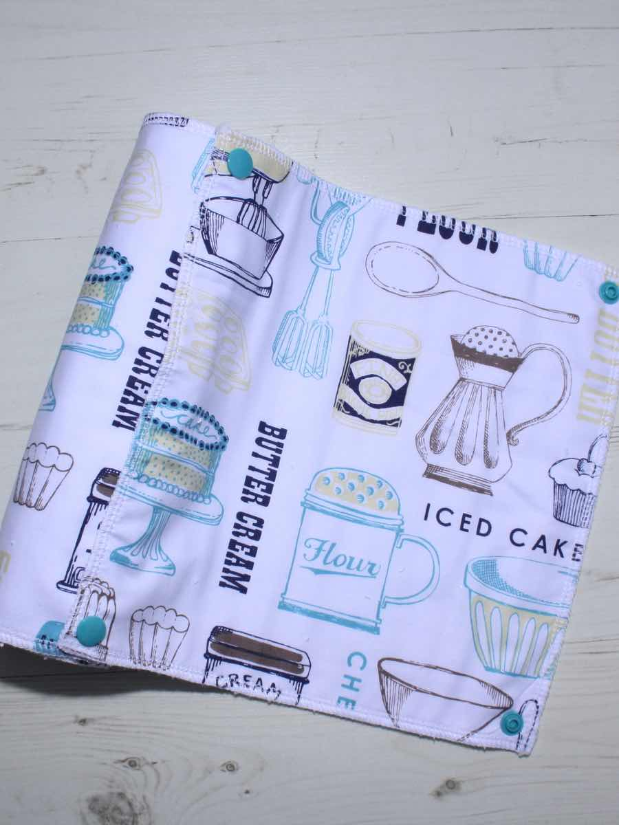 Cake mix reusable kitchen roll set of 6 luna landings for Kitchen set cake