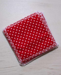 Red Polka Dot Make-up remover wipes – set of 5