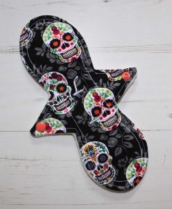 10″ Liner cloth pad | Flowered Skulls Cotton | Cream Wind Pro Fleece | Luna Landings | Slim Sub 1