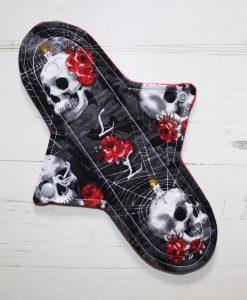 "10"" Regular Flow cloth pad | Rose and Candle Skulls Cotton | Red Wind Pro Fleece | Luna Landings | Sub"