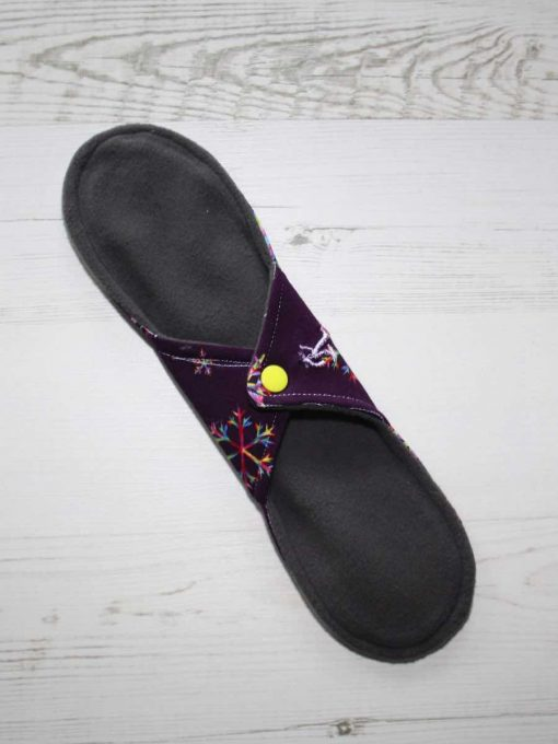 "11"" Regular Flow cloth pad | Snowflakes on Purple Cotton Jersey | Lemongrass Wind Pro Fleece | Luna Landings |"