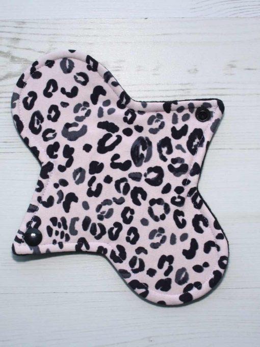 8″ Heavy Flow cloth pad | Pink Leopard Cotton Jersey | Black Organic Cotton Fleece | Luna Basics | Sub