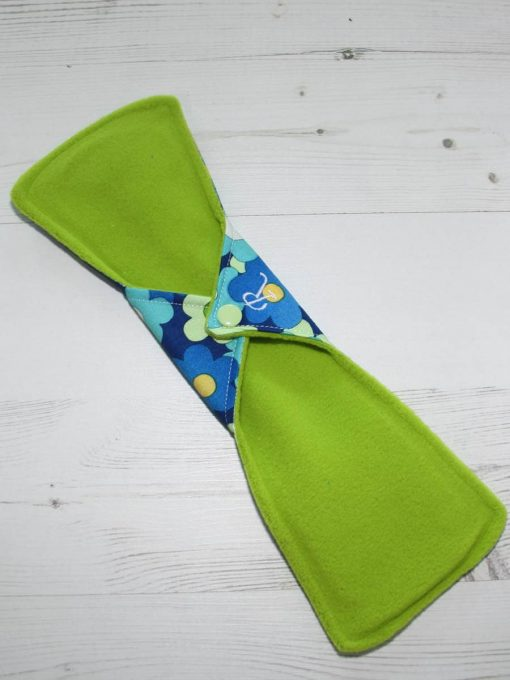 12″ Regular Flow cloth pad | Blue Daisies Cotton | Green Wind Pro Fleece | Luna Landings | Double Flare