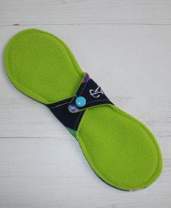 10-inch-regular-flow-cloth-menstrual-pad-beeometry-cotton-jersey-and-green-wind-pro-fleece-luna-landings-slim-sub-4-scaled