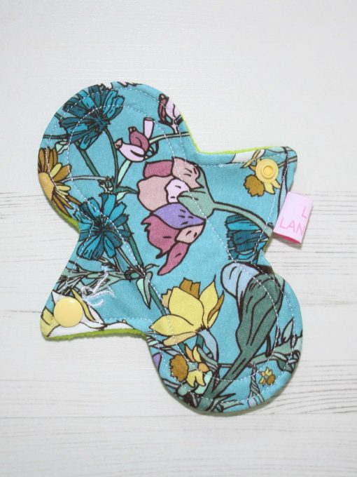 6-inch-Regular-Flow-cloth-menstrual-pad-Wild-Flower-Cotton-Jersey-and-Green-Wind-Pro-Fleece-Luna-Landings-Slim-Sub_1.jpg_1-scaled