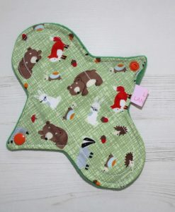 8-inch-Liner-cloth-menstrual-pad-Forest-Critters-Cotton-and-Green-Wind-Pro-Fleece-Luna-Landings-Sub_1.jpg_1-scaled