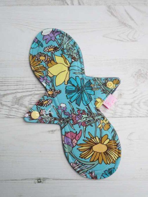 "10"" Regular Flow cloth pad | Wild Flowers Cotton Jersey | Grey Wind Pro Fleece | Luna Landings | Slim Sub"