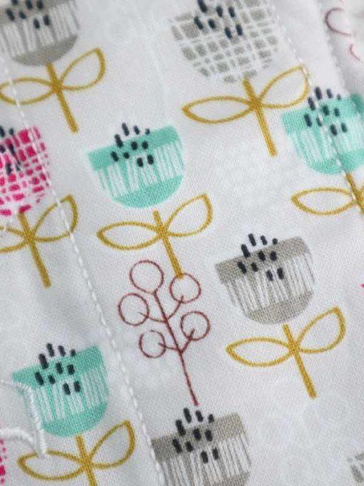 "11"" Light Flow cloth pad | Petite Street Cotton | White Polar Fleece | Luna Landings | Slim Sub"