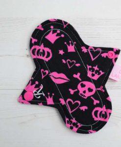 "6"" Regular Flow cloth pad | Pink Pirates Cotton Jersey | Black Organic Cotton Fleece | Luna Landings | Sub"