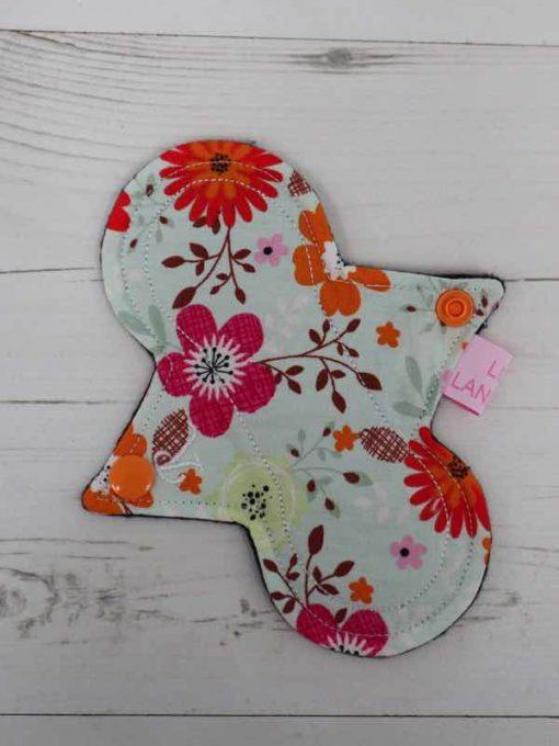 "6"" Regular Flow cloth pad | Wild Flowers Cotton | Black Organic Cotton Fleece | Luna Landings | Slim Sub"